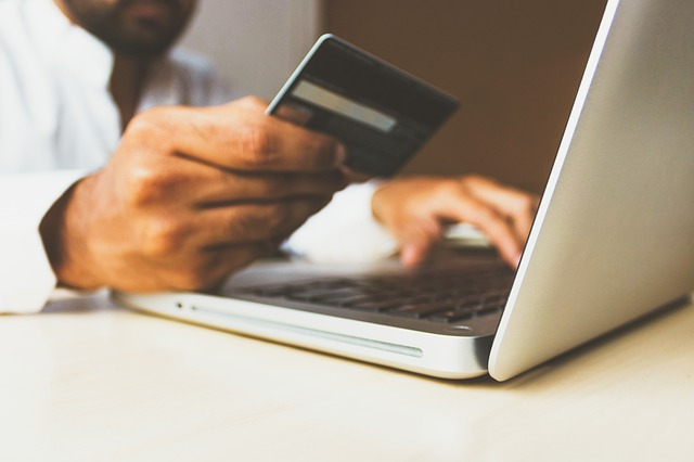how-to-protect-yourself-when-doing-online-shopping-a
